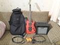 Продам комплект электрогитара,  чехол,  усилитель,  педаль и мелочевку